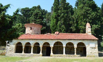 Samostan Zvernec