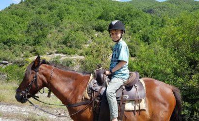 Ridning i södra Albanien1