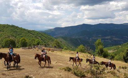Ridning i södra Albanien23
