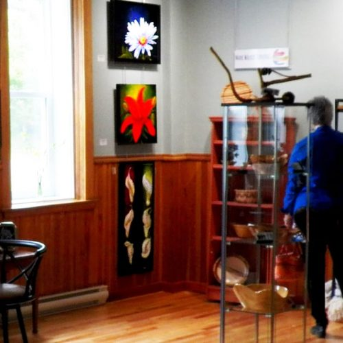 You can always catch a free exhibition in the Acanthus Gallery in Skopje and enjoy some art! More info at http://akantus.mk/akantus-gallery-en/
